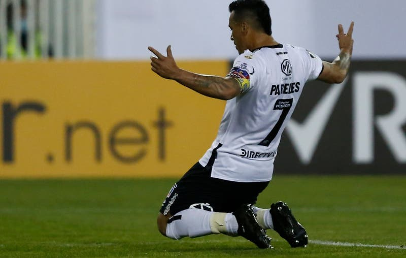 """Paredes vuelve a superar a """"Chamaco"""" y ahora es el máximo goleador de Colo Colo en la Libertadores"""