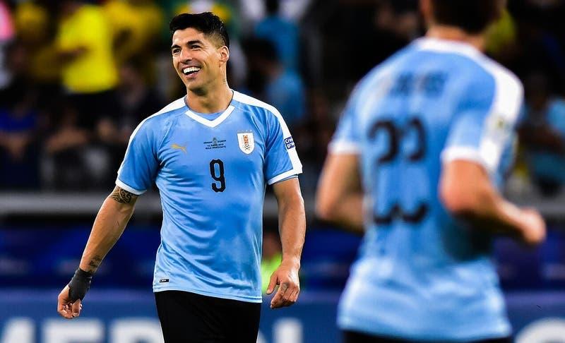 Con regresos y ausencias: Los reservados de Uruguay para enfrentar a Chile en las Clasificatorias