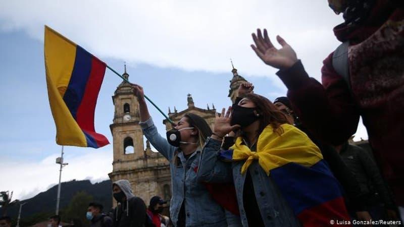 Se reactivan en Colombia protestas contra violencia policial