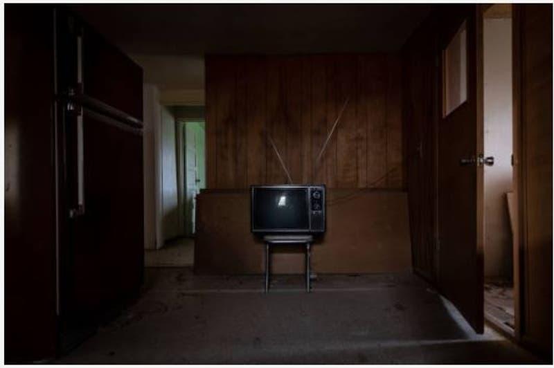 La historia del viejo televisor que dejaba sin internet a todo un pueblo durante las mañanas