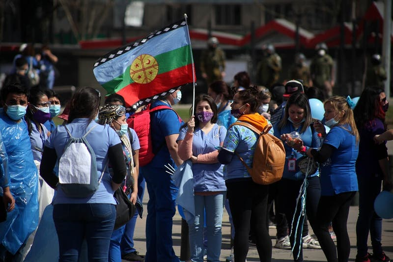 Protestas de trabajadores de la salud en Plaza Italia obligan a desviar el tránsito