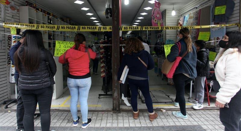 Balde de agua fría: Economía chilena no repunta como se esperaba y tiene en agosto otra dura caída