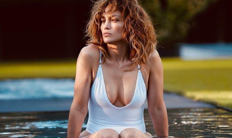 """""""Volver a lo básico"""": Jennifer Lopez impacta y estrena look que toda mujer de 50 años querrá copiar"""