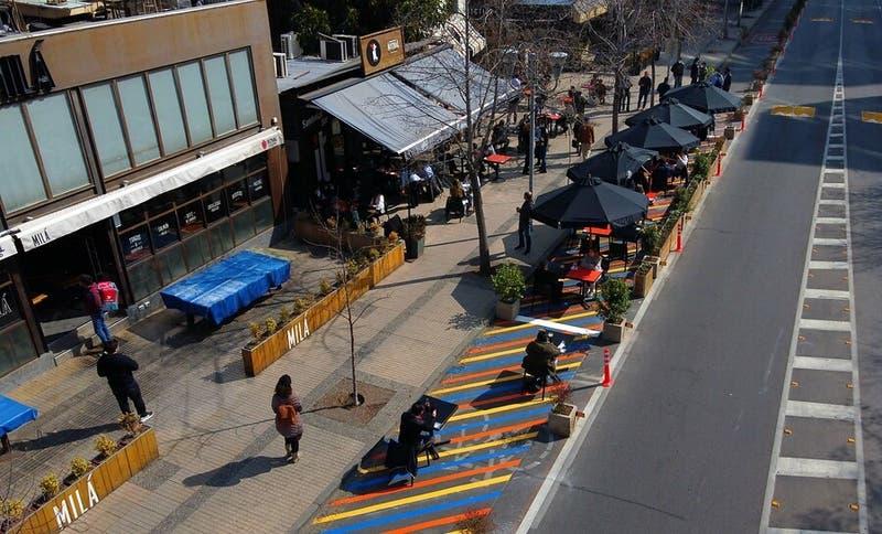 COVID-19: Ministro de Salud advierte a comunas del sector oriente de Santiago por aumento de casos