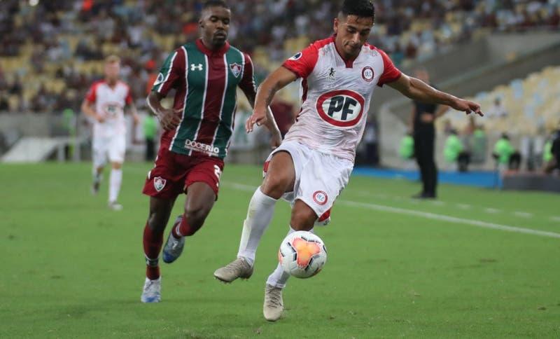 Yonathan Andía es llamado de emergencia a La Roja para duelos ante Uruguay y Colombia