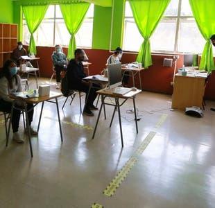Diputado RN pide que sólo los cuartos medios retomen clases presenciales en 2020