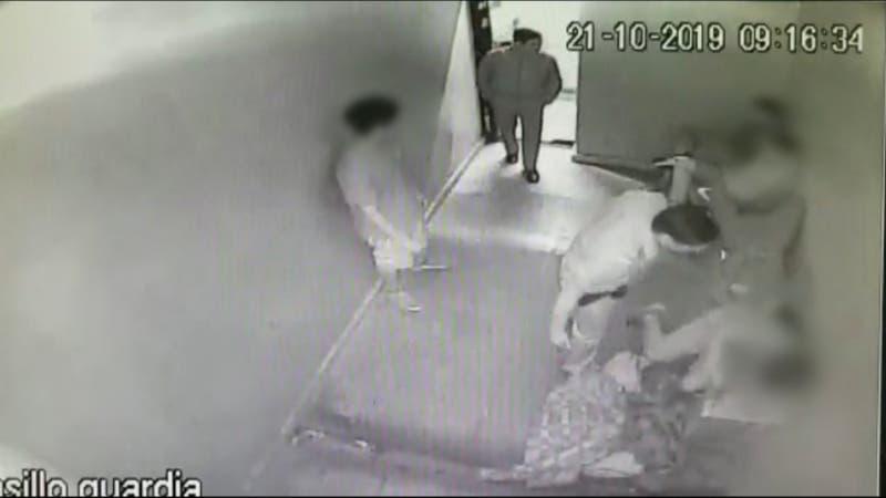 Prisión preventiva para dos carabineros imputados por torturas en Comisaría de Peñalolen