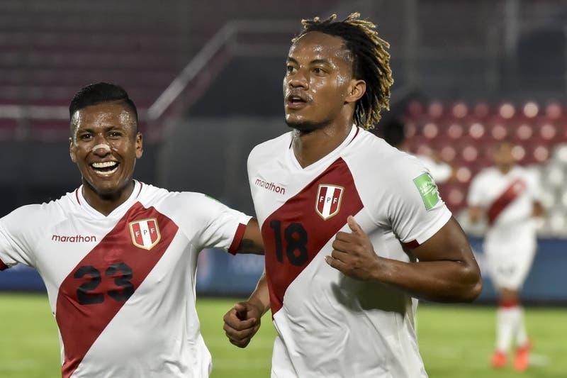 Perú rescata un empate a 2 ante Paraguay en Asunción en el inicio de las Clasificatorias a Qatar