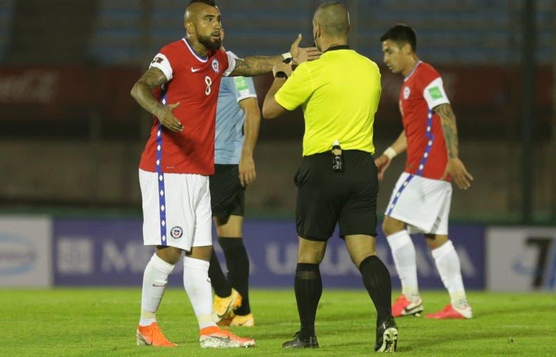 ANFP pedirá audios del VAR y exigirá castigo para árbitro paraguayo tras polémica derrota de Chile
