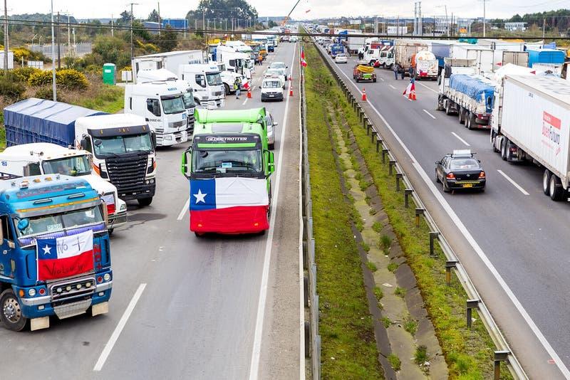 Camioneros advierten de un nuevo paro nacional por atentado en La Araucanía