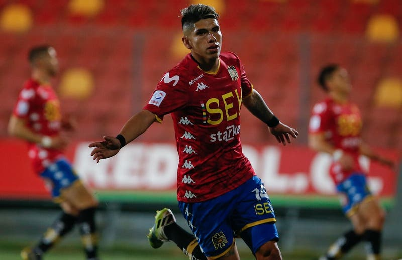 """Carlos Palacios, joya de Unión Española, no fue citado a la """"Roja"""" por no tener pasaporte"""