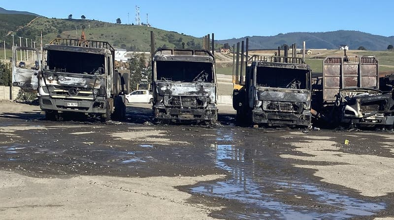 """Camioneros dicen que gobierno se comprometió a """"reponer"""" cualquier maquinaria dañada"""