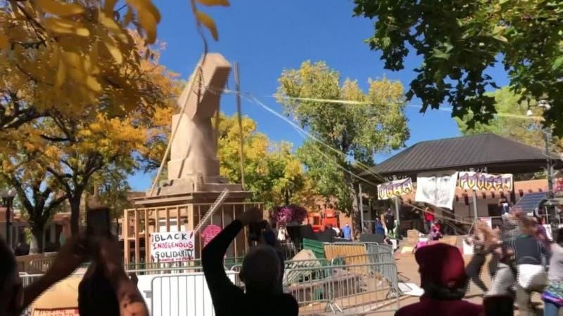 Polémica por el 12 de octubre: Protestas y derribos de estatuas en América