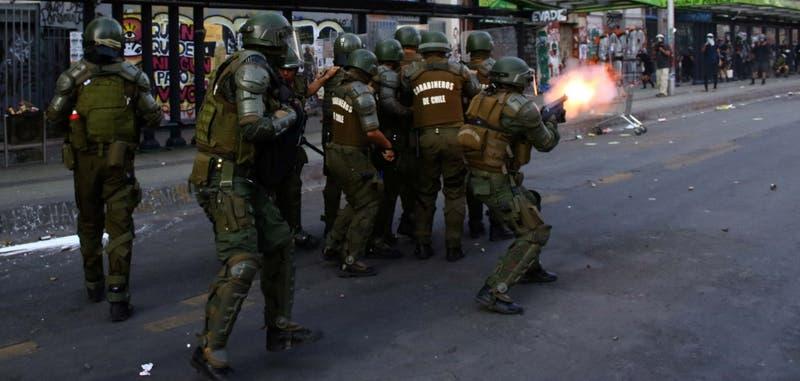 Estallido Social: Amnistía Internacional pide que se investigue penalmente a mandos de Carabineros