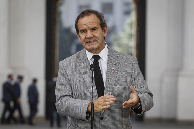 Canciller Allamand lanza ofensiva para explicar en el extranjero el 18-O y el proceso constituyente