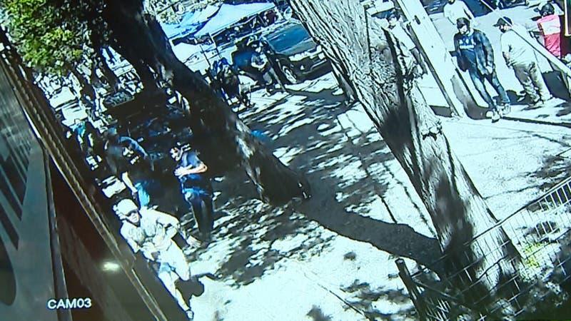 """Hijo de """"Titae"""" de Los Tres está grave: Lo golpearon y apuñalaron por supuesto robo"""