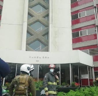 Hombre cae desde octavo piso de un edificio en Viña del Mar: quiso evadir procedimiento policial