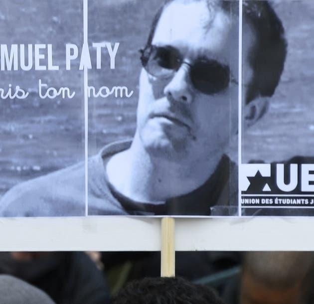 Francia: Alumnos de profesor decapitado entregaron información a atacante a cambio de dinero
