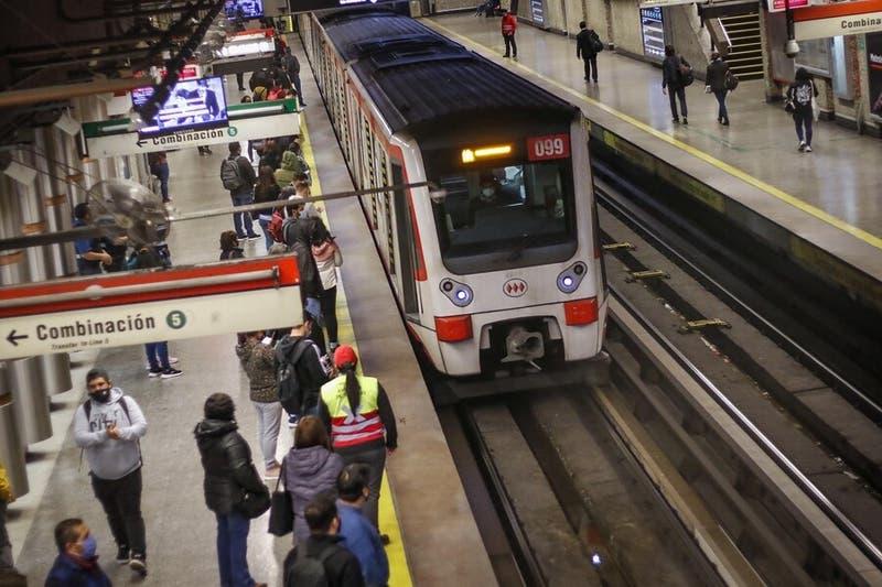 Los horarios del Metro de Santiago, Merval y Biotren que serán gratuitos para el plebiscito