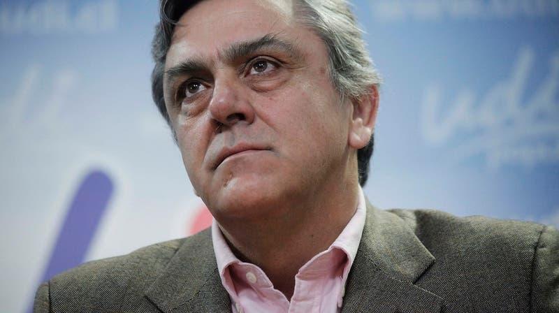"""Longueira dice que le gustaría """"refundar la centroderecha"""" y buscar alianzas con la DC"""