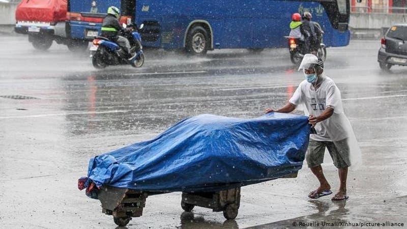Más de 30.000 evacuados en Filipinas por paso de tifón Molave