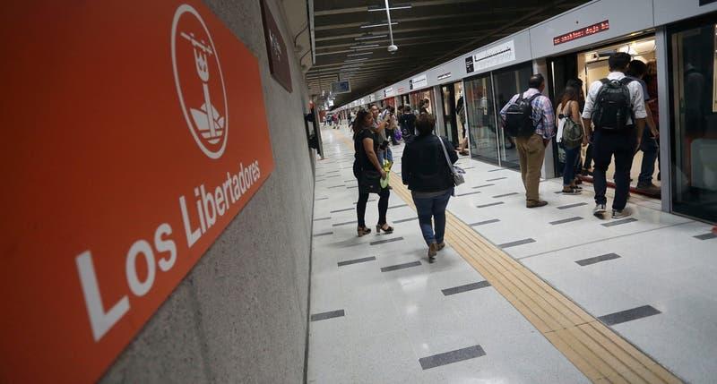 Metro cierra siete estaciones hasta el término de la jornada por problema eléctrico