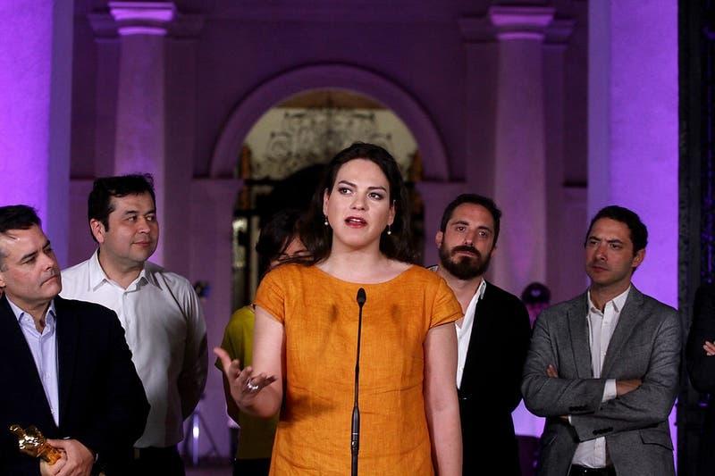 Daniela Vega anuncia acciones legales contra videojuego en el que se incita a matarla