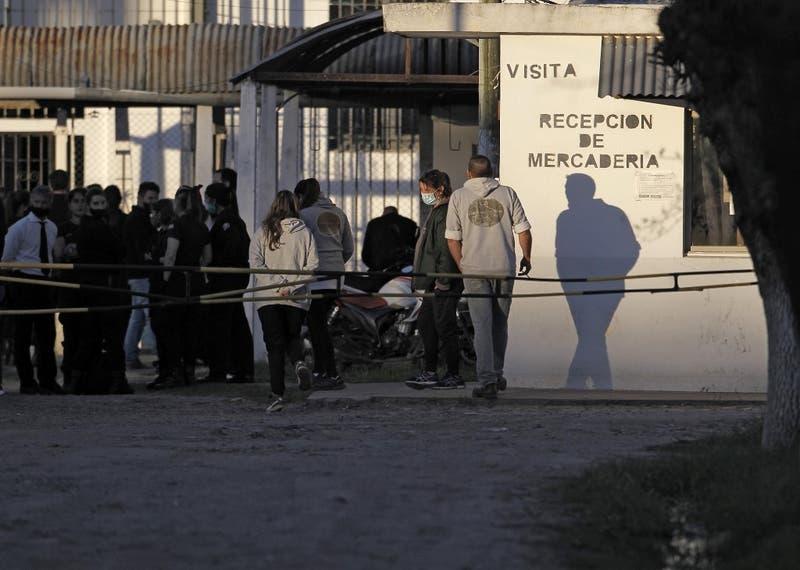 Presos protestan en Argentina para recibir visitas en pandemia