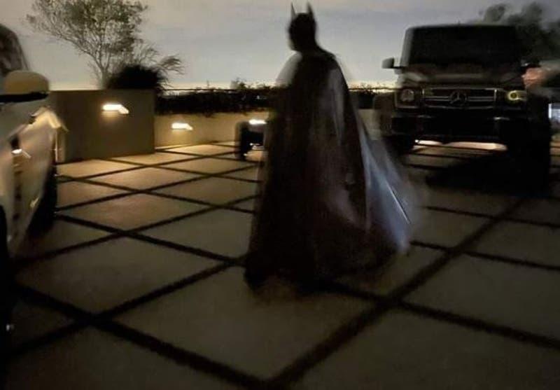 Travis Scott desactiva Instagram tras burlas a disfraz de Batman