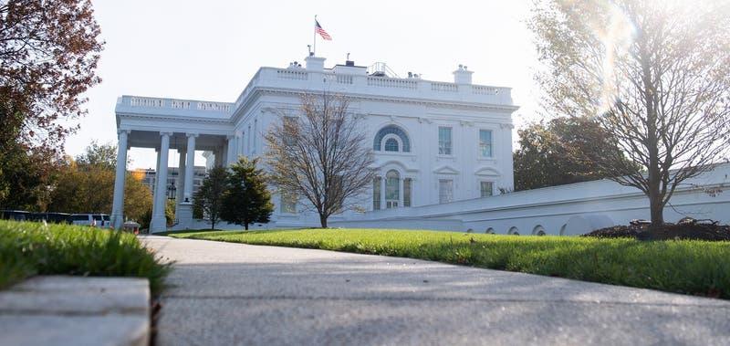 La Casa Blanca convertida en búnker: ponen muros de concreto por posibles protestas tras elecciones
