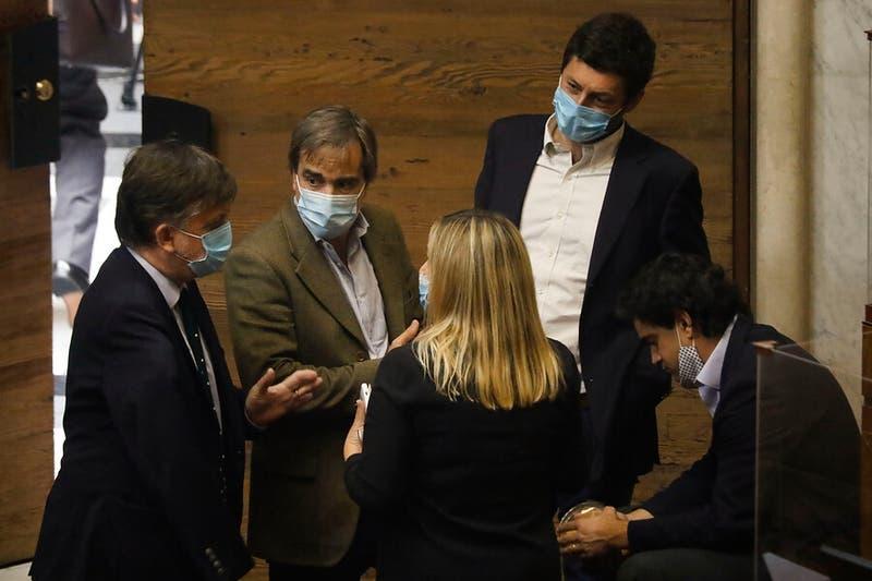 El 10% golpea a Chile Vamos: diputados ajustan cuentas con La Moneda y senadores juegan última carta