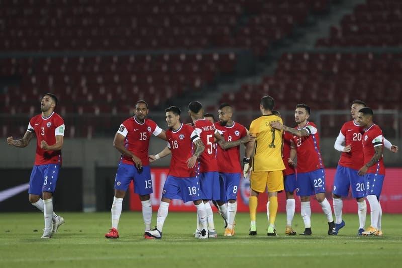 """Santiago sigue siendo imposible"": Prensa peruana lamenta derrota ante Chile"