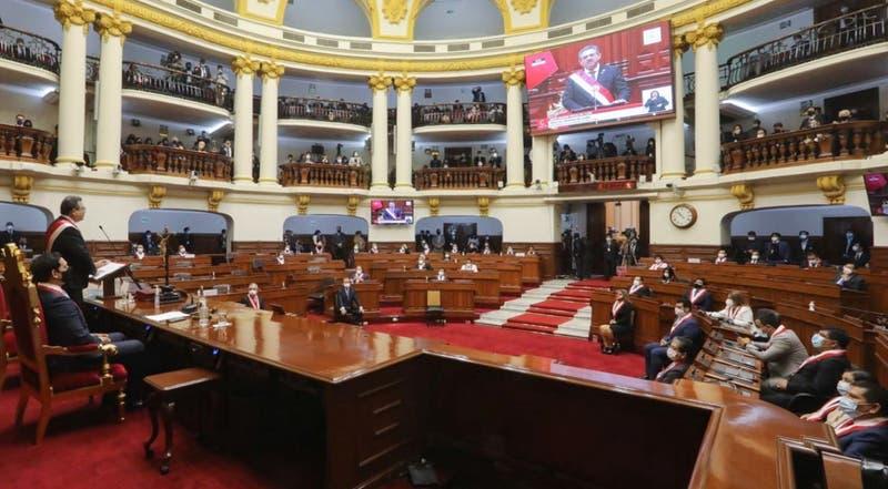 Proyecto de ley que elimina pensión vitalicia a expresidentes de Perú avanza en el Congreso