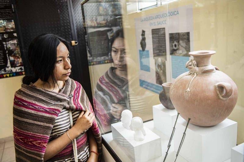 [FOTOS] Encuentran restos de mujer inca que vivió hace 600 años mientras instalaban tubería de gas