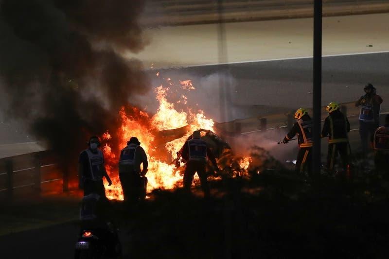 [VIDEO] El instante en que piloto francés de Fórmula 1 escapa de su auto envuelto en llamas