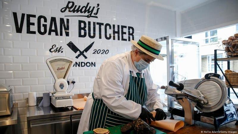 """El éxito de la primera """"carnicería"""" vegana: vendió todos los productos en su primer día"""