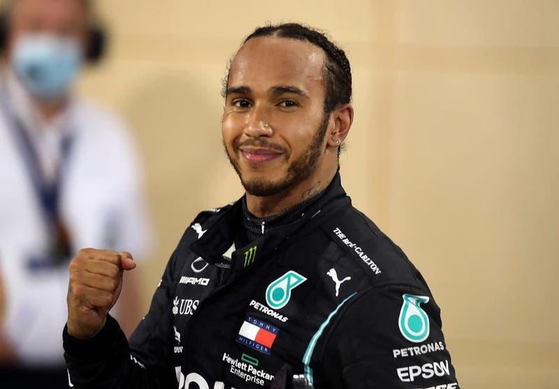 Lewis Hamilton da positivo a test de COVID-19