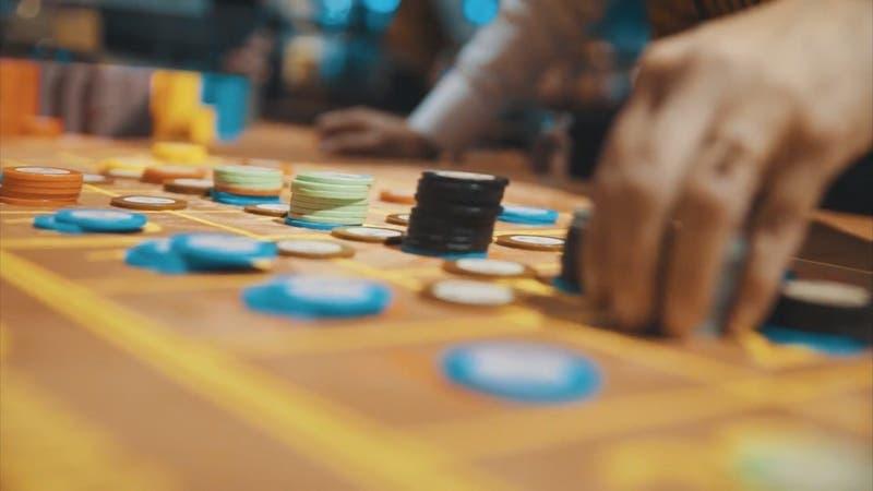 Prohíben a casinos funcionar durante el toque de queda