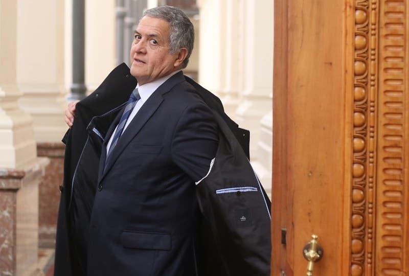 Los cálculos y temores que genera en el oficialismo la nominación de Mario Carroza a la Suprema