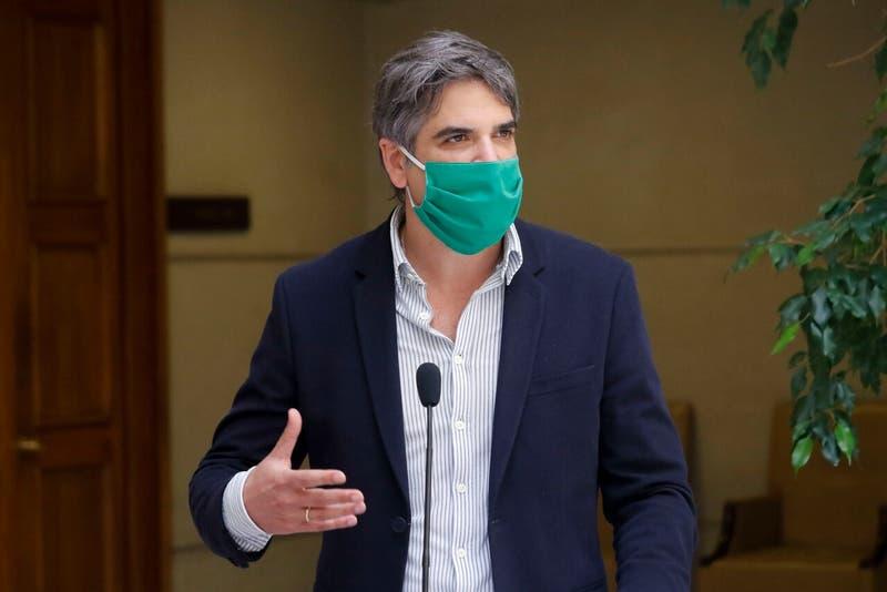 Diputado Fuenzalida (RN): polémica al decir que no se vacunará