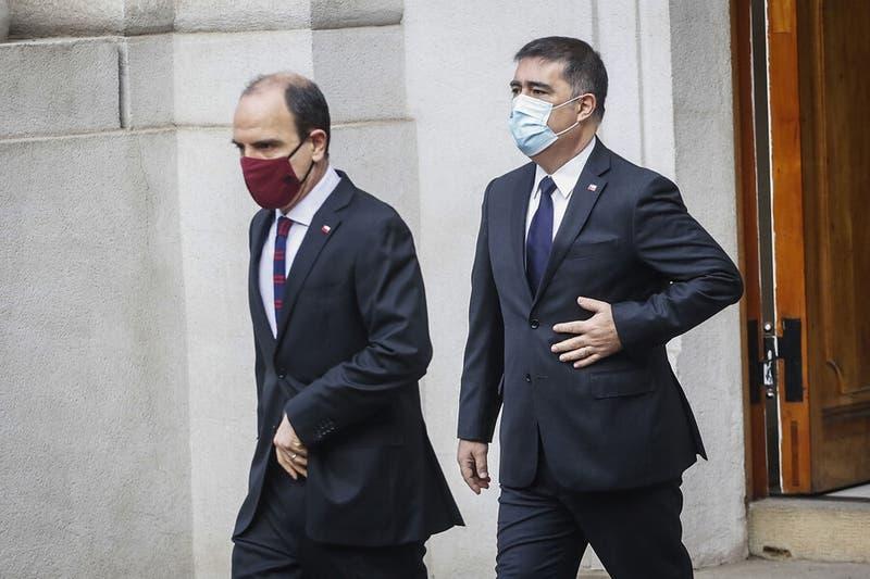 Inminente renuncia de Desbordes aumenta tensión: Monckeberg se inclina por quedarse en La Moneda