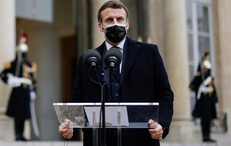 Presidente francés Emmanuel Macron da positivo por COVID-19