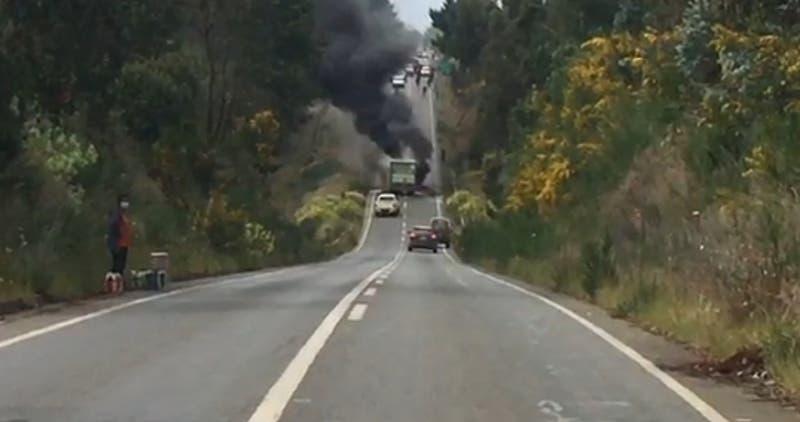 Camión repartidor de la CCU es atacado por desconocidos en Antiquina, provincia de Arauco