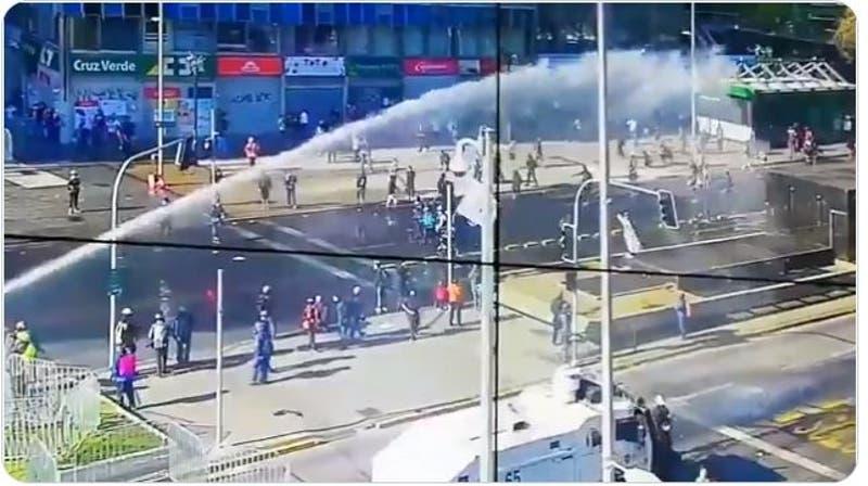 Cortes de tránsito en Santiago tras nueva jornada de protestas