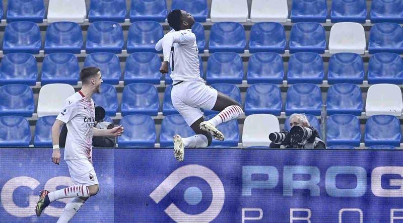 Leao del AC Milan marca el gol más rápido de la Serie A