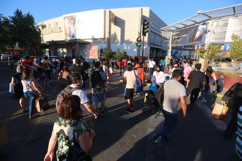"""Subsecretaria y aglomeraciones en centros comerciales: """"Si hay que cerrar los mall, se van a cerrar"""""""