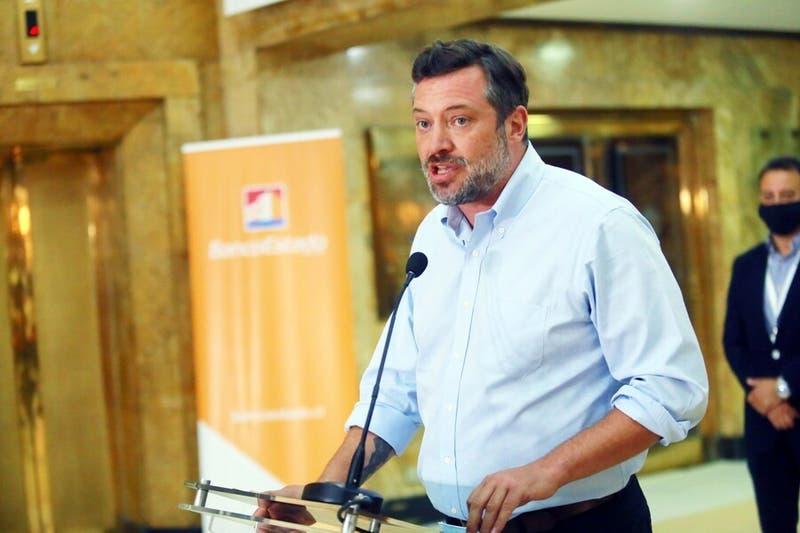 """Contraloría a Banco Estado por mensaje a Sichel: """"Las redes oficiales son para fines públicos"""""""