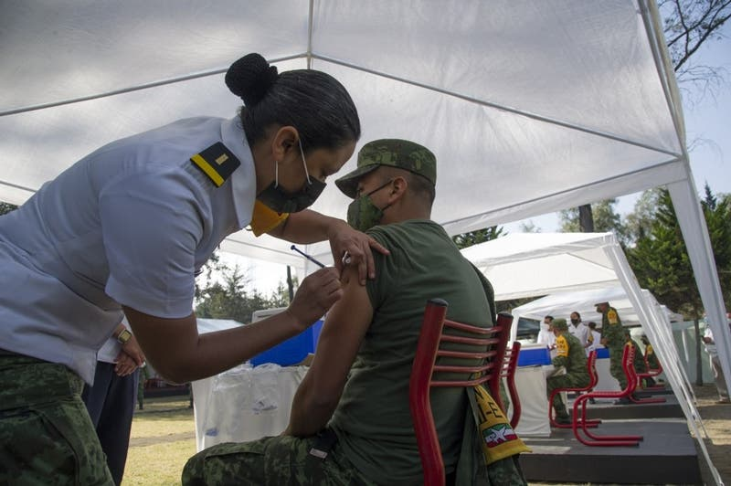 México iniciará la vacunación contra el COVID-19 este jueves