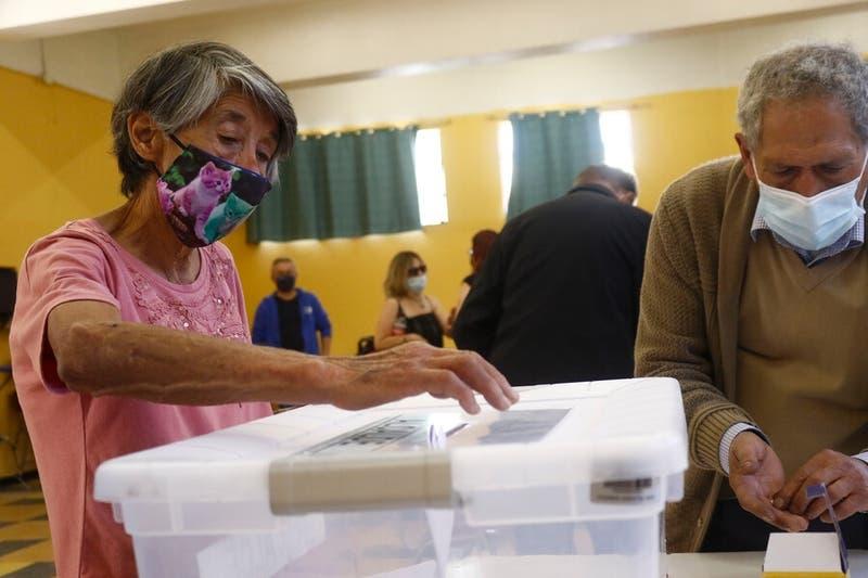 Comisión de Gobierno aprueba por unanimidad proyecto que permite voto anticipado en elecciones