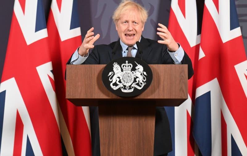 """""""El trato está hecho"""": Boris Johnson confirma acuerdo comercial post Brexit con la Unión Europea"""